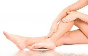Лечение судорог в ногах народными средствами: мази, диета, настои