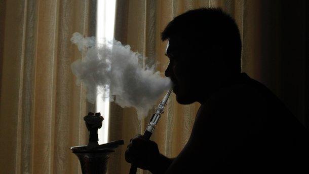 Вред от кальяна: врач и чемпион Европы рассказали правду о курении