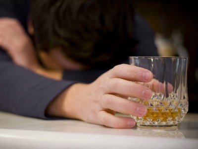 Основные признаки, определяющие алкоголизм