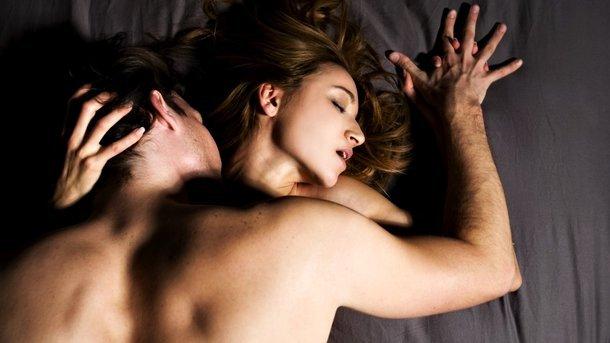 Исследователи определили лучшее время для секса, еды и тренировок