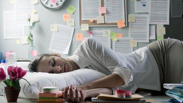 Когда лучше всего спать днем: советы ученых