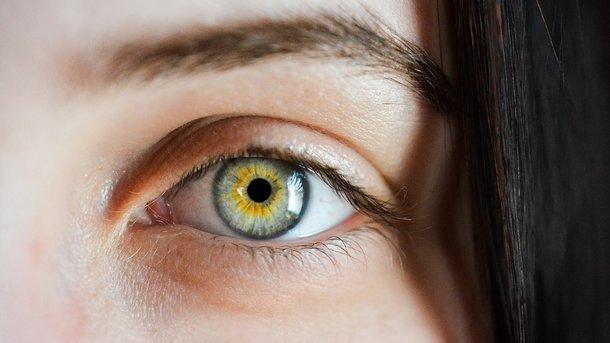 Как без особых усилий улучшить зрение: легкие упражнения для начинающих