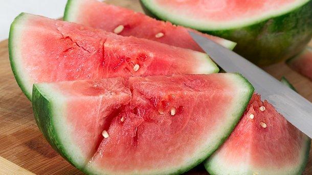Чем опасен арбуз: причины массовых отравлений ягодой