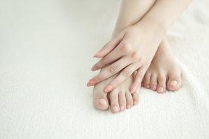 Народные средства для лечения грибка: целебные ванны и компрессы