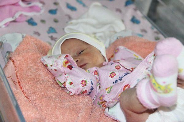 Недоношенные дети – вес, развитие и кормление.