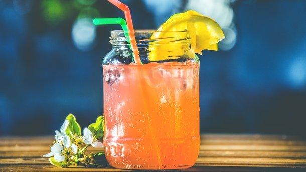 Как усилить пользу соков для организма ребенка: подбираем напиток по типу телосложения