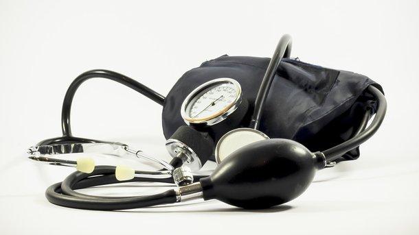 Как быстро снизить артериальное давление в домашних условиях