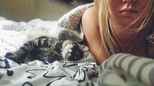 Какая поза во время сна делает нас старше на 15 лет