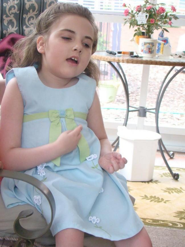 Синдром Ретта — симптомы и лечение, фото и видео