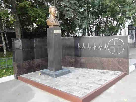 Треугольные бутылки для уксуса и другие изобретения создателя московской скорой