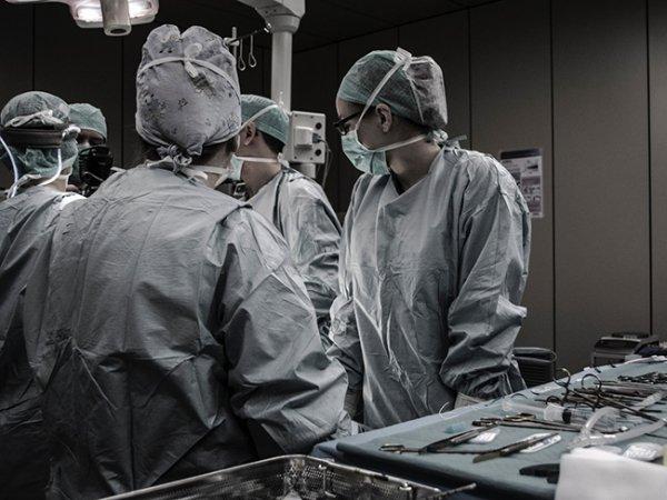 Лечение рака простаты — стоит ли доверять свою жизнь роботу?