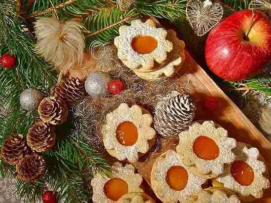 Тяжкое наследие праздников: как перестать есть после новогодних застолий?