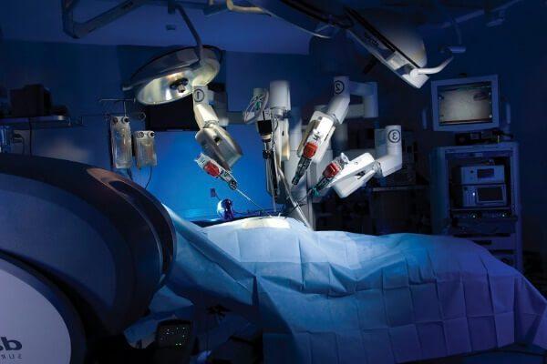 Внедрение робототехники в медицину.