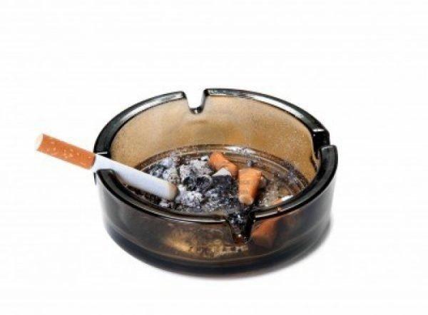 Стоматит курильщика — чем он опасен?