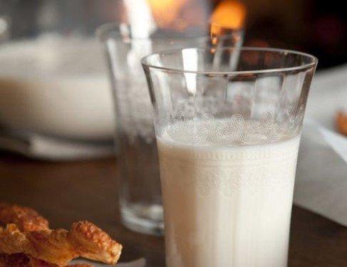 Вред цельного, не обезжиренного, молока оказался мифом
