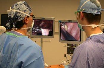 Спайки в маточных трубах: причины образования, диагностика и лечение