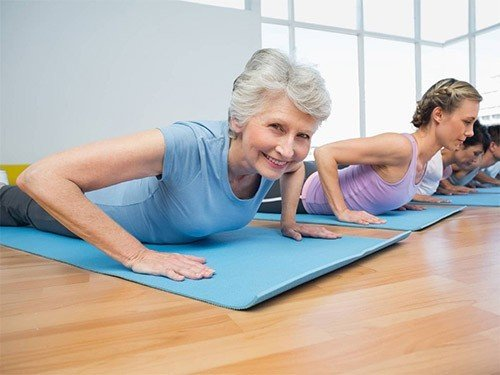 Увеличивает ли высокая физическая активность риск раннего наступления климакса?