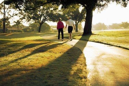 Прогулки после еды помогут диабетикам и худеющим
