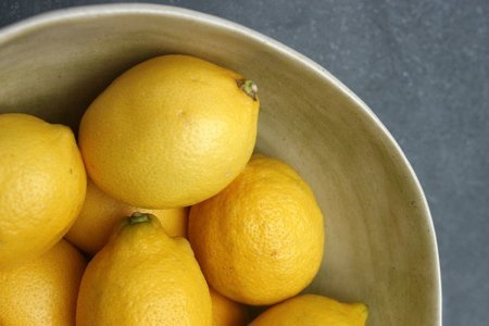 Чем полезен лимон и кому его нельзя