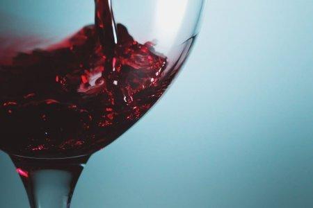 В чем польза сухого красного вина?