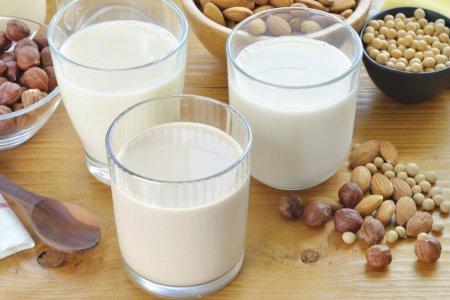 Растительное молоко: что это такое и в чем его польза