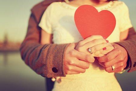 Для крепких отношений нужно искать ровесника