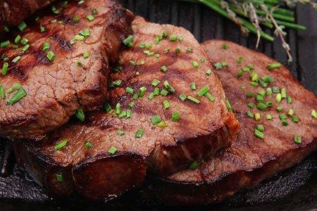 Красное мясо грозит инфарктом и инсультом