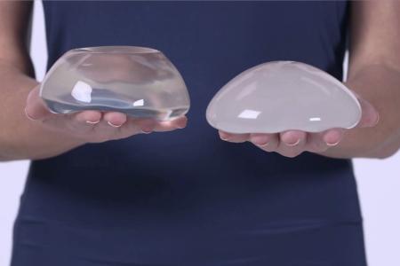Имплантанты, которые увеличивают грудь, могут вызвать агрессивную форму рака