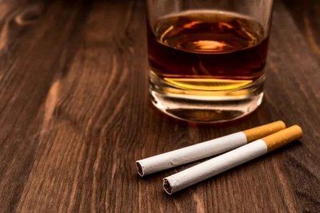 Алкоголь сильнее разрушает мозг, если его сочетать с сигаретами