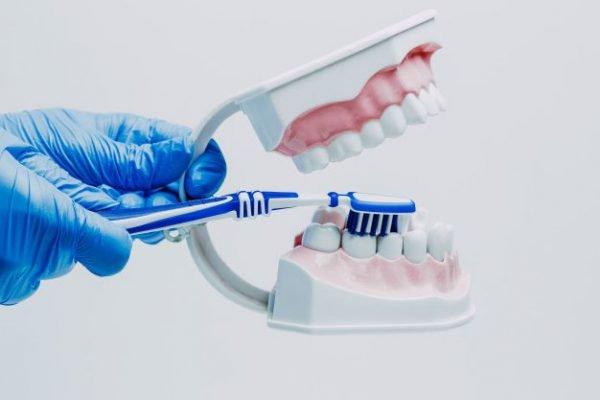 Как ухаживать за зубами в домашних условиях.
