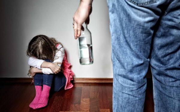 Проблема алкоголизма в семье, что делать?